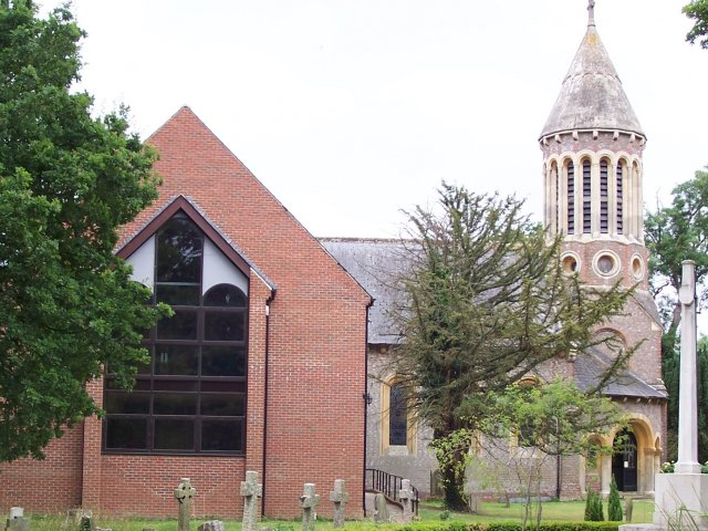 https://www.burghfieldparishcouncil.gov.uk/wp-content/uploads/2018/12/St-Marys-Church-cropped-640x480.jpg